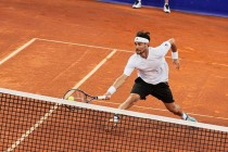 ATP Umago - Dzumhur dura appena un set, Fognini la spunta ed approda in semifinale