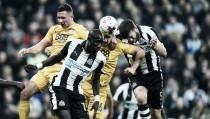 El Newcastle consigue el pase a cuartos tras golear al Preston