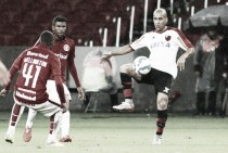 Em lados opostos na tabela, Internacional e Flamengo se enfrentam no Beira-Rio