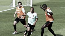 Fourteen train as Portugal's preparations for Euro 2016 get underway