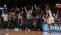 NBA - Denver cade a Brooklyn sulla sirena. I Lakers si arrendono a George, Clippers all'overtime