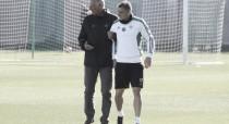 Alex Alegría y Pezzella, ausentes en el entrenamiento del martes