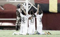 """Thiago Ribeiro exalta triunfo do Santos no adeus ao Brasileirão: """"Importante"""""""