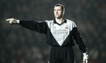 Jones backs Forster to break Southampton's clean sheet record