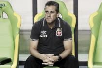 Jorginho lamenta derrota diante do Paysandu e planeja modificar a equipe para recuperar a liderança