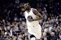 NBA - Durant trascina Golden State, Oklahoma al tappeto nella ripresa