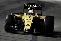 Kevin Magnussen, de nuevo sumando para Renault
