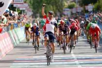 Giro: Roger Kluge surprend le peloton à Cassano d'Adda