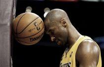 Kobe Bryant si ferma ancora: stagione finita?
