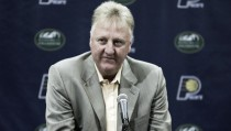 Larry Bird se rinde al baloncesto actual