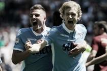 Lazio ofusca possível último dérbi de Totti, vence Roma e segue forte por vaga na UEL