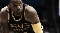 LeBron con minutos limitados en la temporada regular