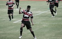 Santa Cruz vence com gol de Léo Moura e devolve lanterna do Brasileiro ao América-MG