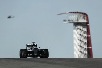 Lewis Hamilton comienza a marcar territorio en los primeros entrenamientos libres