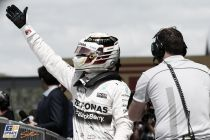 Lewis Hamilton asesta el primer golpe