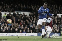 Everton 4-0 Aston Villa: Lukaku and Barkley put sorry Villans to sword