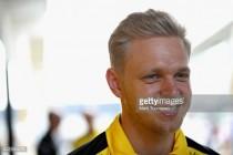 Haas sign Magnussen