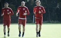 Maicon é vetado e Ricardo Gomes sinaliza Lugano para jogo com Juventude