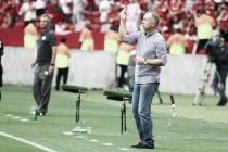 """Mano Menezes vê própria expulsão como """"justa"""" e pede desculpas a árbitro por reclamação"""