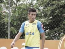 Cruzeiro devolve volante Marciel ao Corinthians antes do fim do contrato
