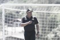 Treinador Roberto Cavalo demite integrantes da comissão técnica sem consultar diretor executivo