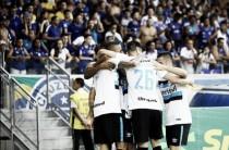 Grêmio surpreende Cruzeiro no Mineirão e sai à frente na semi da Copa do Brasil