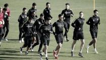 El Málaga entrenó con Cop y sin Amrabat