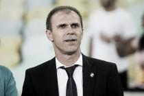 """Milton Mendes elogia postura do time e dedica classificação à torcida: """"Estão felizes"""""""
