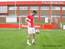 """Moi Gómez: """"El ambiente de fútbol que se vive en Gijón es impresionante"""""""