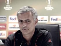 """Europa League - Mourinho sprona il suo Manchester United: """"In campo con le motivazioni di domenica"""""""