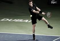 Andy Murray cumple en su estreno en Dubai