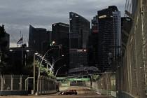 Red Bull golpea primero en Marina Bay