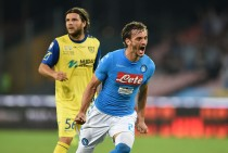 Serie A, tutto troppo facile per il Napoli contro il Chievo (2-0)
