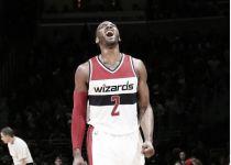 La magia de Wall complica los playoffs a los Hornets