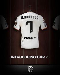 Álvaro Negredo completes Valencia loan-deal
