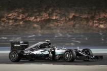 Rosberg ganó en Bahréin pasando tres veces por boxes