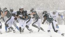 Week 14: La neve sconvolge l'East Coast, Seattle si inchina ai 49ers