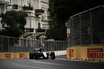 Rosberg logra la victoria en Bakú con un espectacular Pérez