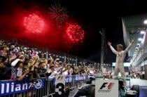 GP Singapore: Rosberg resiste a Ricciardo e conquista vittoria e testa della mondiale