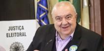 Rafael Greca supera polêmica e é eleito prefeito de Curitiba