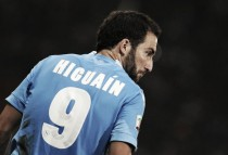 Higuaín knocks back new deal as a big move looms large