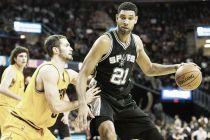 Resumen NBA: los Spurs asaltan Cleveland y los Lakers suman su segunda victoria consecutiva
