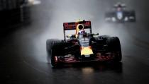 Para Adrian Newey, Renault fez progressos em seu motor para 2017