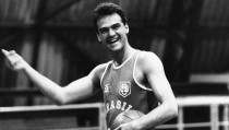 Oscar Schmidt, el hombre que demostró que el mejor baloncesto no siempre viene de la NBA