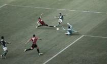 Palmeiras faz eficiência prevalecer diante de bom futebol do Sport, vence e dispara na liderança