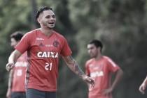 """Pará destaca alegria no Flamengo: """"Estou muito feliz"""""""