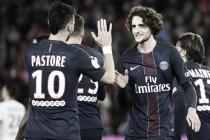 Pastore tem noite de garçom, PSG vira diante do Lyon e segue na briga pela liderança