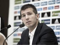 Celades convoca a 19 futbolistas