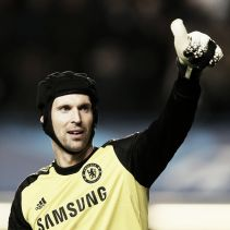Would Arsenal have to sell a 'keeper in order to sign Petr Cech?