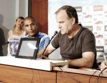 La première conférence de presse de Bielsa